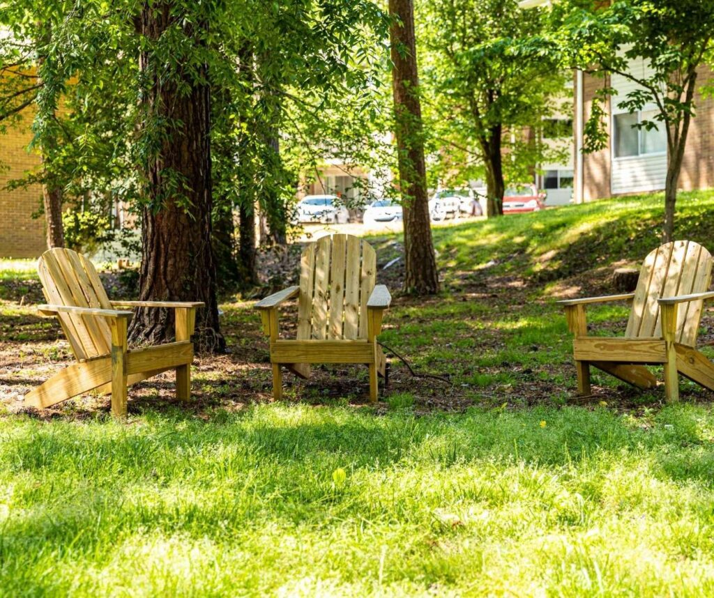 apartments in chapel hill outdoor sitting area